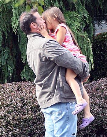 Leah kissing JOn